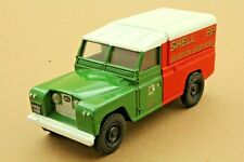 "LAND ROVER ""AVIATION SERVICES / SHELL and BP"" - Marque CORGI - Made in China"