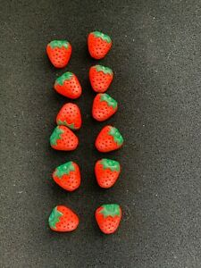 Plastic Buttons: Strawberries