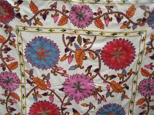 """Pottery Barn Willow Embroidered Floral Table Throw 50x50"""" Beautiful 100% Cotton"""