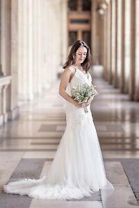 Vera Wang White Wedding Dress. Plunging, open back + ties, tulle. UK Size 6 / 8
