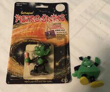 AstroSniks Junior figure 1983 Vintage with original packaging + Pyramido