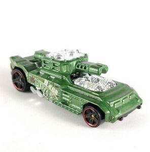 Hot Wheels Invader Green Tank HW68 Off Roads Battle Kings CFL88 Model Diecast