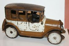 NICE SELDOM SEEN VINTAGE ARCADE BROWN and WHITE CAST IRON TAXI CAB