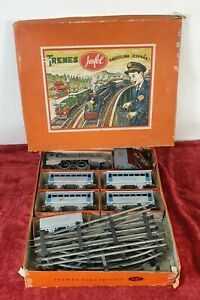 JOSFEL ELECTRIC TRAIN. LOCOMOTIVE AND 5 WAGONS. TIN. SCALE O. CIRCA 1950.