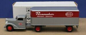 Ertl F248UO 1948 Diamond T Semi Truck new York Central 1:43 Mint/ Box 1995