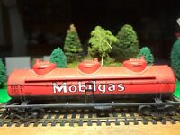 RTR HO SCALE ATHEARN  Mobile Gas 3 Dome Tanker # 2387/w Knuckle Horned Couplers