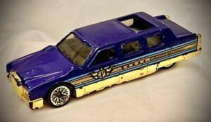 """Vintage 1990 Hot Wheels - Blue Limousine """"City Mayor"""" w/ Gold Trim"""