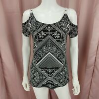 Caché Women's Black & White Cold Shoulder Short Sleeve Shirt Size Small