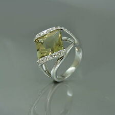 Extravaganter Ring 750/18k Weißgold,Spinell 9,4ct,Brillanten 0,50ct W/si