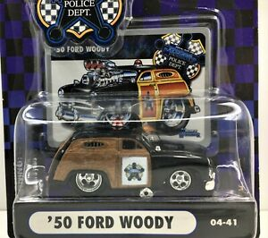 Muscle Machines Police Series * 1950 Ford Woody * New On Card* 1:64