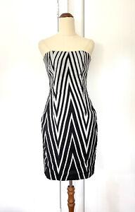 Natasha Gan Black & Grey Silver Dress Body Con Corset Size 8 Chevron