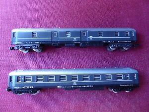 Coche de pasajeros y furgón. LIMA. FS. Refs. 320301a y 320302