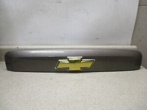 New 07 to 14 Chevy License Cover Trim Molding Finish Panel Applique 23168608 OEM
