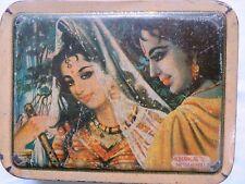 Vtg Sweet TIN BOX Romantic Scene RADHA LOVING God KRISHNA Religious ideal India