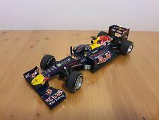 1:18 Minichamps Pauls'Model Art  Red Bull Renault RB7  Sebastian  Vettel  2011