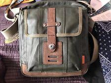 BNWT Verde Kaki REGIONE FOSSILI City Bag