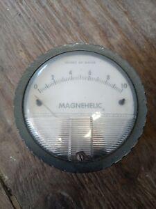 Dwyer Magnehelic  Differential Pressure Gauge 35 PSGI 0 - 10 lbs per sq in