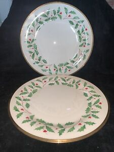 Lenox Holiday Set of 2 Dinner Plates Holly Berry Gold Trim