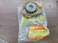 NOS Suzuki 17T Second Drive Gear 1975 RM125 1976 RM100 1974 TM125 24221-28301