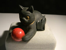 Rubber Cat toy with Metal ball made in Japan (2889)