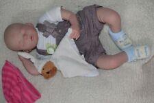 Vrai bébé reborn Nastasia poupée réaliste full vinyle silicone 55 cm trousseau