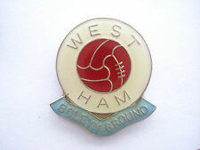 VINTAGE WEST HAM UNITED FOOTBALL TEAM CLUB BOLEYN GROUND CUP BALL PIN BADGE 99p
