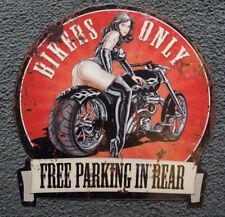 Blechschild Bikers OnlyFree Parking in Rear mit Hot Lady  30x30cm