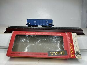 Vintage TYCO Ho Scale Model Trains Operating Hopper Car Baltimore & Maine 10056