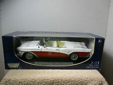 1/18 SCALE MOTORMAX WHITE / RED 1957 BUICK ROADMASTER