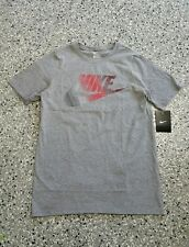 New Nike Youth Boys Cotton Graphic Gray Short Sleeve T-Shirt Tee Size: X-Large
