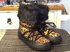 RARE!  Crocs LodgePoint Graphic Animal Print Lace-Up Boots US size 7 Faux Fur