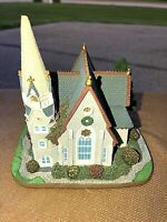 """1995 Santa's Best """"Christmas in New England"""" Village Church with Steeple"""