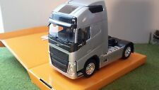 Volvo FH12 500 silver Cab  Welly 1:32 Scale