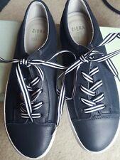 Women's Ziera Blue Navy Flat Peta4 Shoes Runners size 39 or 8 Aus