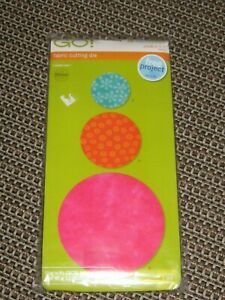 """Accuquilt Go! - Circle 2"""". 3"""", & 5"""" Fabric Cutter - in package"""
