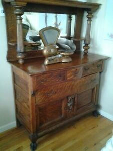 Antique Solid Oak Sideboard Buffet with Beveled Glass Clawed Feet Workmanship