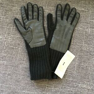 Burberry Lambskin Knit Gloves Size M NWT$490