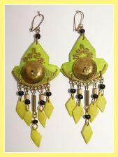 hübsche Chandelier Ohrringe aus Kokosnuss Ohrhänger Ohrschmuck grün aus Peru Neu