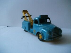 BUDGIE  TOWING  TRUCK