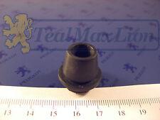 Œillet passe-fils pour trou 17,5 mm Peugeot 203, 403 L, U5, U8 et 404 sauf CC