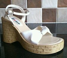NEW ZONE WHITE PATENT KNOT HIGH PLATFORM WOOD EFFECT WEDGE SANDAL SHOE SIZE 6
