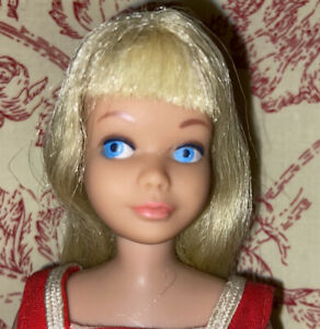 VINTAGE LIGHT BLONDE SKIPPER DOLL BARBIE Straight Leg & ORIG SUIT 💛 NICE HAIR