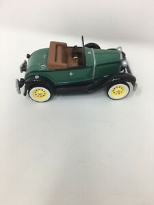Hallmark Collector's Series Ornament 1931 Ford Model A Roadster #8416 1:43