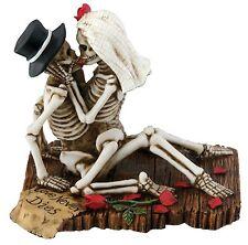 Love Never Dies Halloween Skeleton Sculpture Wedding Statue Couple Skull Decor