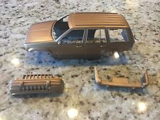 Lindberg Jeep Grand Cherokee Model Body 1/20 Parts Junkyard