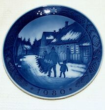 Royal Copenhagen Christmas Plate 1980 Bringing Home the Christmas Tree