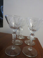 """8 VINTAGE 4 OZ OUNCE ETCHED CORDIAL GLASSES 5 3/4"""" TALL"""