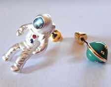 ASTRONAUT STUD EARRINGS space man chain planet charm astronomy science new 2D