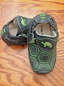 Baby Infant Boys Stride Rite Lil Chuckle Navy & Green Turtle Moccasin size 7