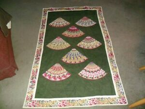 HANDMADE QUILT LAP THROW UNUSUAL FANS DESIGN VERY CLEAN NICE THROW TO GO